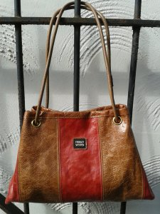 Revised design red and tan Tiddleybag